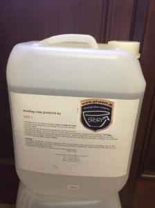 Olio per tutti i tipi di pista in sintetico di media viscosità. Venduto in taniche da 10 Lt.